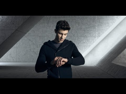 lyteCache.php?origThumbUrl=https%3A%2F%2Fi.ytimg.com%2Fvi%2FK7aN2a5aBZY%2F0 - Emporio Armani shows off its first touchscreen smartwatch at Milan Fashion Week