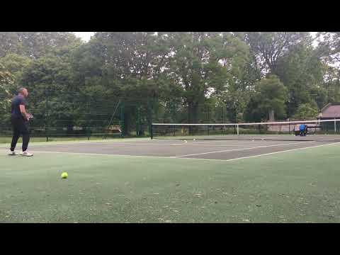 lyteCache.php?origThumbUrl=https%3A%2F%2Fi.ytimg.com%2Fvi%2Fbx3zHPnmRPA%2F0 - Slinger Bag review: your very own portable tennis ball launcher