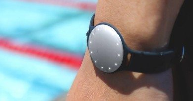 Speedo Shine – a new activity tracker for swimmers