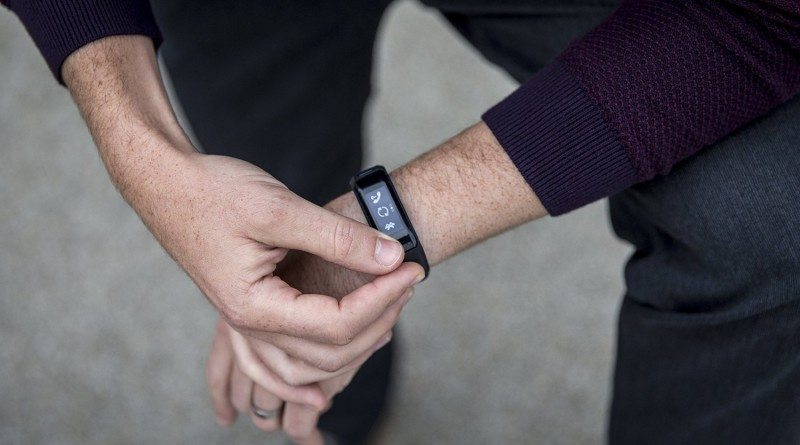 Vivosmart HR: Garmin adds heart rate to popular fitness tracker