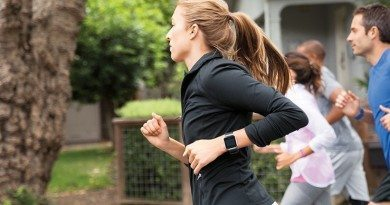 Fitbit CEO says Apple Watch trying to do too much
