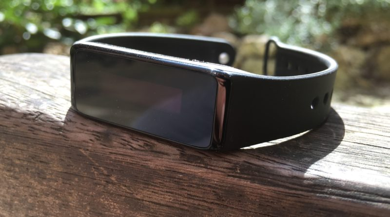 Review: Archon Touch, a new fitness tracker for those on a