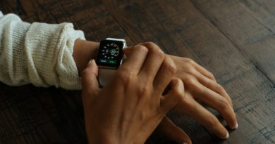 pexels photo 390x205 - Apple Watch tops customer satisfaction rankings, well ahead of Fitbit