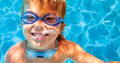 Swim Safe: the neck device that protects your children