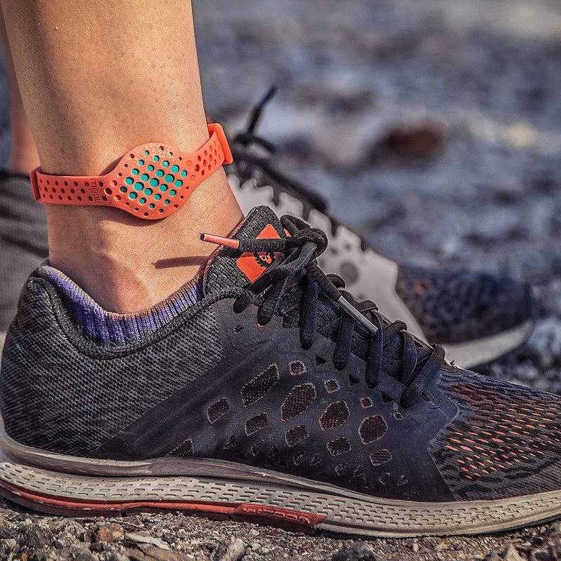 Moov partners with Strava and adds different colour bands