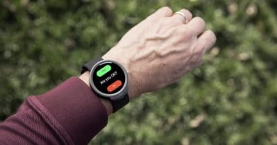 iBeat: the heart monitor smart watch