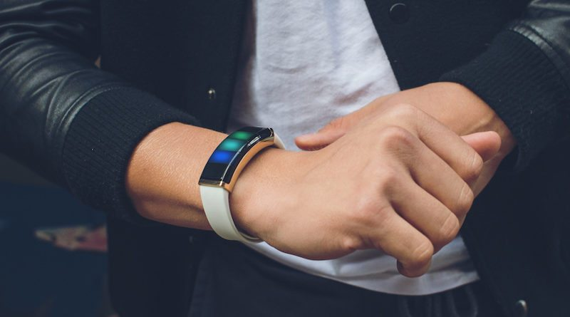 CES 2017: Nex Band brings touchable controls to your wrist