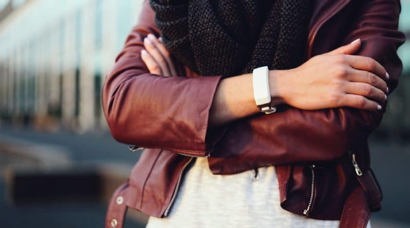 Hey: send touch over distance with this innovative new bracelet