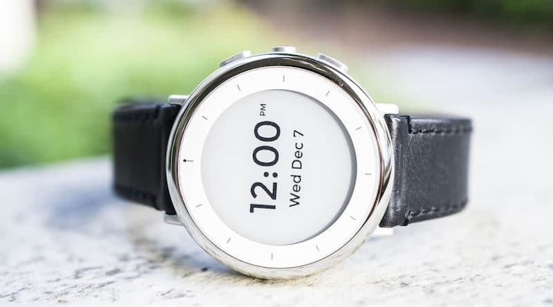 Alphabet's Verily shows off research focused health watch