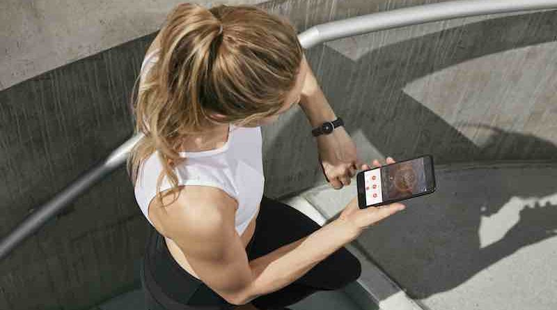 Misfit launches Flare, a minimalist activity tracker