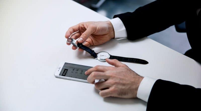 Smart Buckle: Convert your regular watch into a smart watch