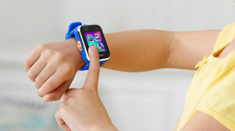 Kidizoom Smartwatch DX2 lets kids take pictures, videos, play games, tell time and more