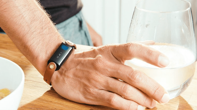 LVL, the first hydration tracking wearable delayed till summer 2018
