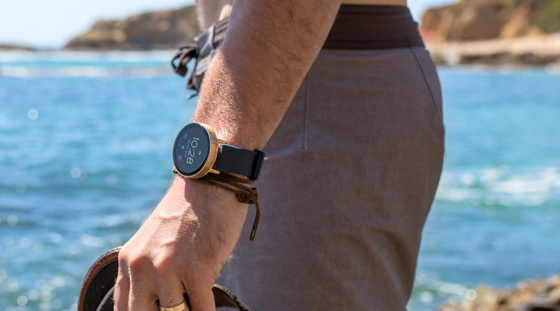 Misfit's first smartwatch will come with connected, rather than built-in GPS