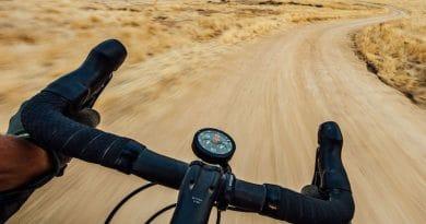 Omata One Analogue GPS starts shipping to Kickstarter backers