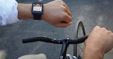 US smartwatch ownership projected to grow 60% by end of next year