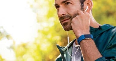 Wearable shipments to double in 5 years fuelled by smartwatches and earbuds