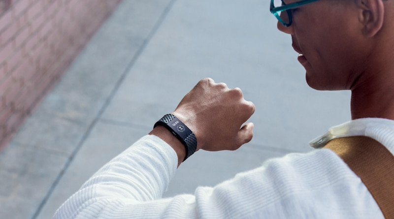 FDA launches pilot program to speed up approval for Apple, Fitbit and others