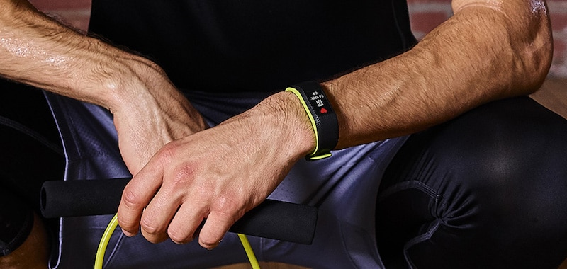 garmin vivosport or vivosmart 3 what s the difference - Fitbit Charge 3 vs Garmin Vivosport: activity tracker face-off