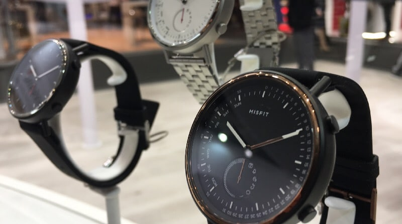 hands on with misfit command a stylish new hybrid timepiece 2 - Hands-on with Misfit Command, a stylish new hybrid timepiece