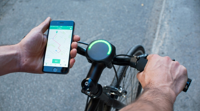 SmartHalo brings GPS navigation and activity tracking to any bicycle