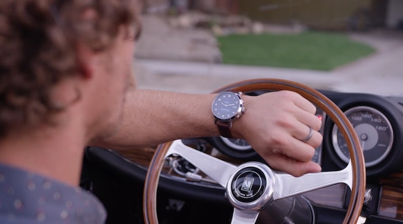 mVoice G2: mechanical watch hands with smart display and voice calling