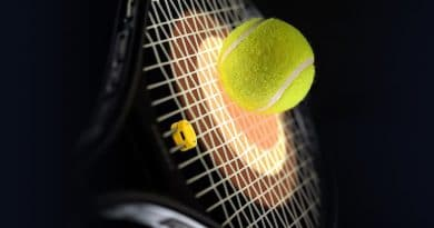 Courtmatics opens pre-orders for tennis racket smart dampener