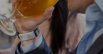 wearable breathalyzers gadgets that know if you ve had a few too many 390x205 - Buying guides