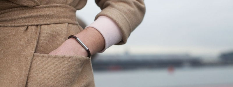 invi bracelet emits a stink to repel attackers 2 - Invi bracelet emits a stink to repel attackers