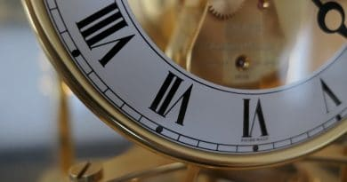 Apple overtakes Switzerland to become largest global watchmaker