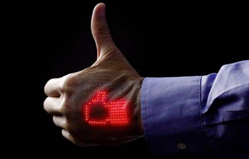 Researchers develop electronic skin that displays vital health stats