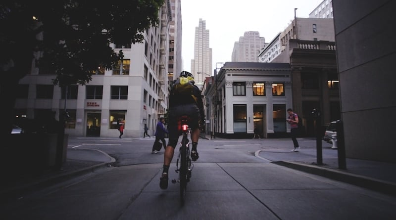 Lucnt SRL1: a bike light which knows when you are braking