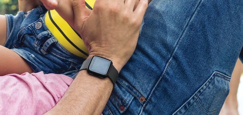 choosing between fitbit versa and garmin vivoactive 3 1 - Apple and Garmin report strong Q1 revenue, Fitbit's woes continue