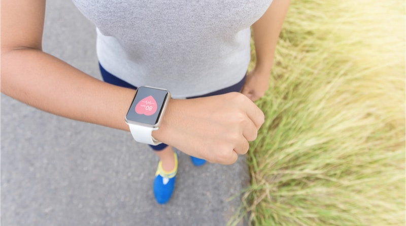 Apple patents self-inflating blood pressure monitoring watch