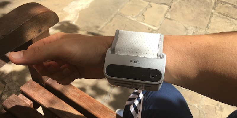review icheck 7 a compact blood pressure monitor that could save your life 4 - Review: iCheck 7, colour-coded blood pressure monitor that could save your life