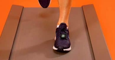 Smart shoes: Tracking fitness through your feet