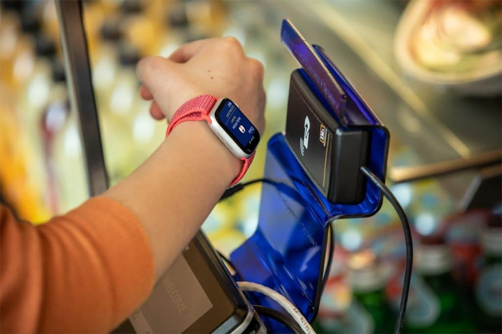 apple watch student id support makes getting around the campus easy 2 1024x682 - Apple Watch student ID support makes getting around the campus easy