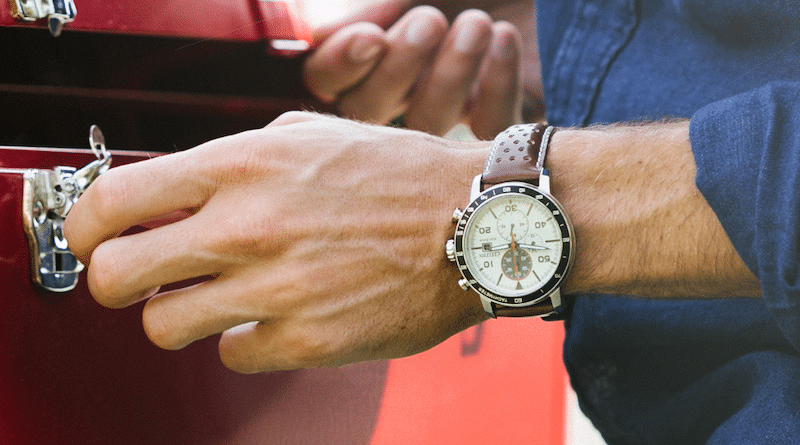 CITIZEN teams up with Fossil Group on hybrid watches