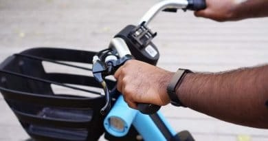 Withings refreshes activity tracker line with classic looking Pulse HR