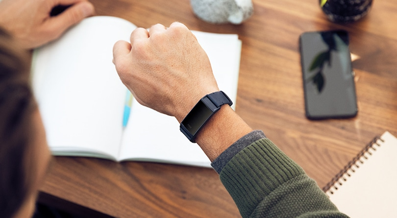 Fitbit users take to forums to complain about Charge 3 blank screen