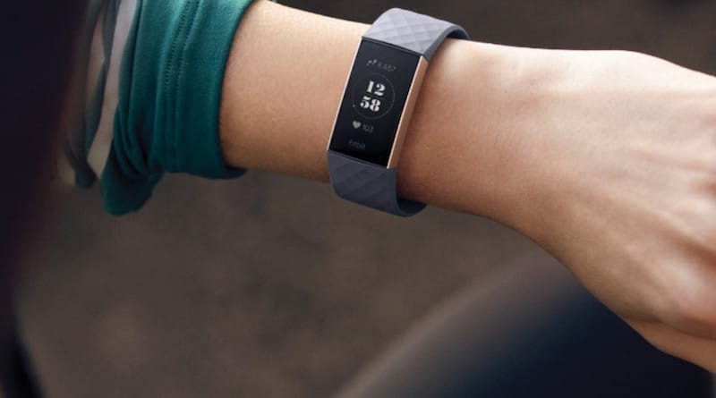 Choosing the right Fitbit size to buy, measuring your wrist