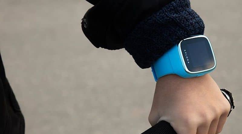 XPLORA GO is a wearable with five everyday use cases