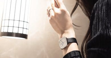 NOWA Paris Superbe: a thin hybrid watch that keeps you connected on the go