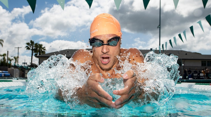 FORM Swim googles come with an augmented-reality display