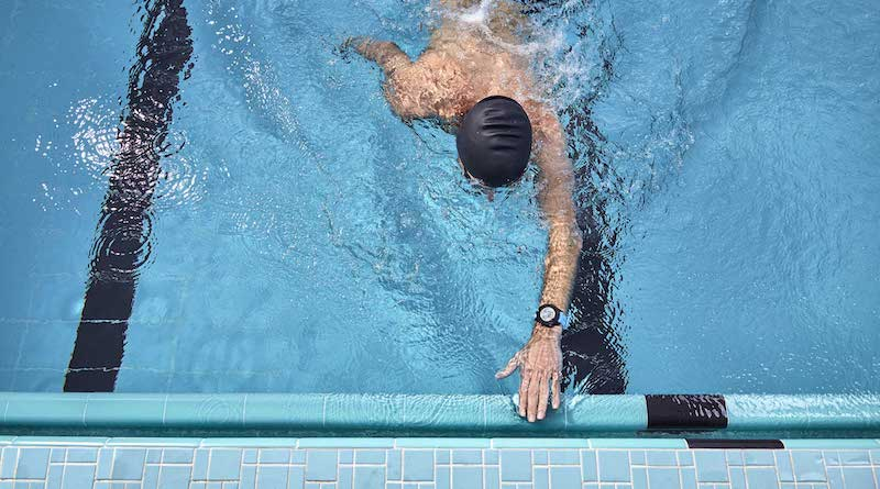 Garmin enables wrist-based heart rate for swimming on Forerunner 945