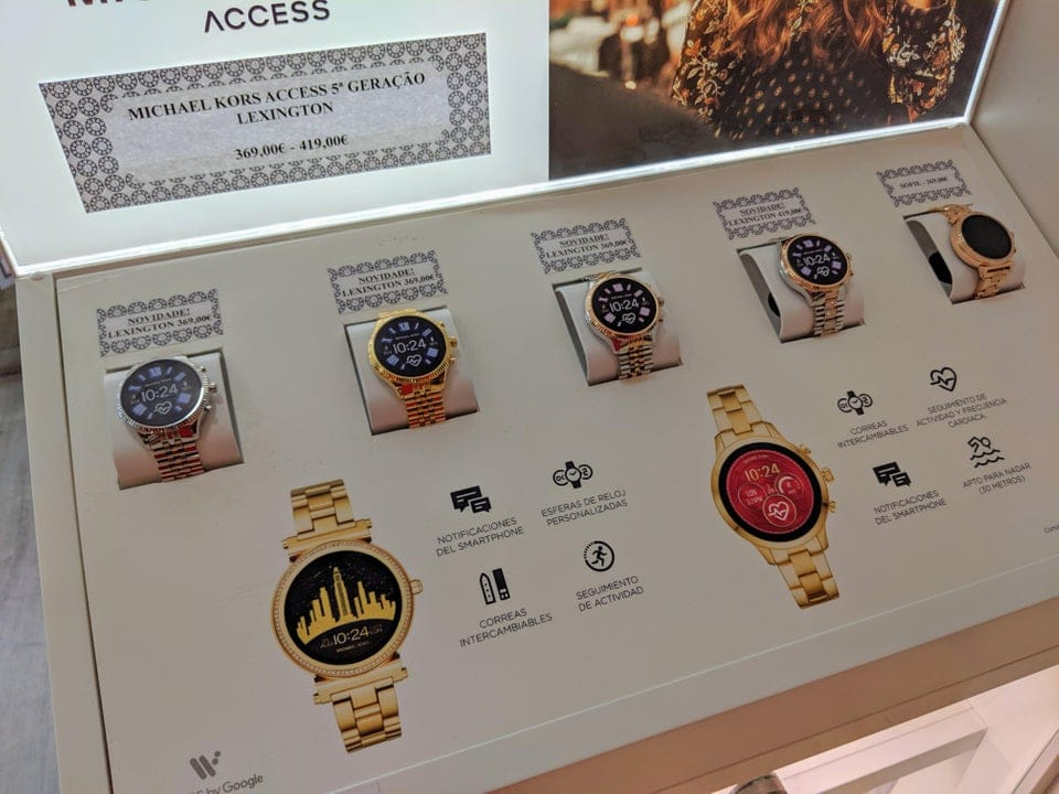 a new wear os michael kors watch leaks online 1 - A new Wear OS Michael Kors watch leaks online