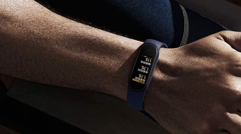 Amazfit Band 5 vs Xiaomi Mi Band 5: what's the difference?