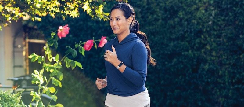 Fitbit Inspire 2 or Garmin Vivosmart 4: which is better?