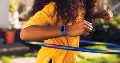 8 best Fitbit for kids & teenagers 2021 – guide, reviews, recommendations