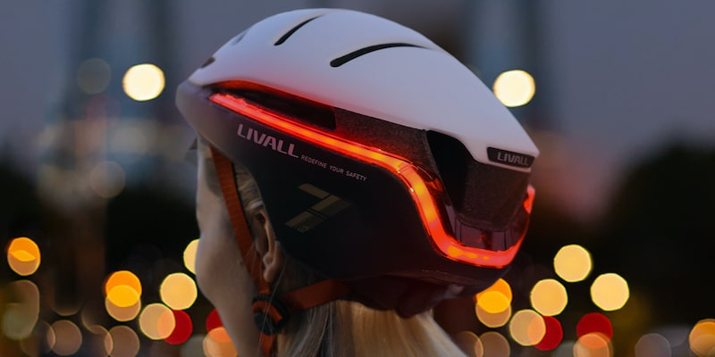 LIVALL EVO 21: smart helmet with superior visibility & comprehensive SOS features